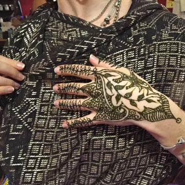 Sarah Glaser henna body art Anchorage Alaska Henna Event