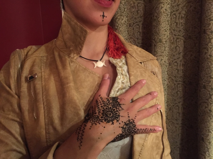 Sarah Glaser henna body art Anchorage Alaska Henna Event